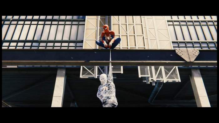 Spider-Man (PS4) Screenshot Perching on a Ledge